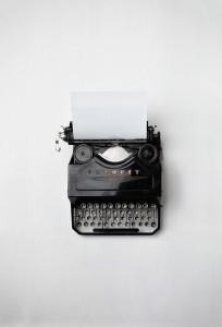 typewriter-498204_960_720